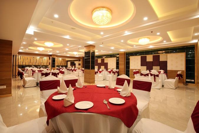 Mint Hotel Premia Zirakpur Chandigarh - Banquet Hall