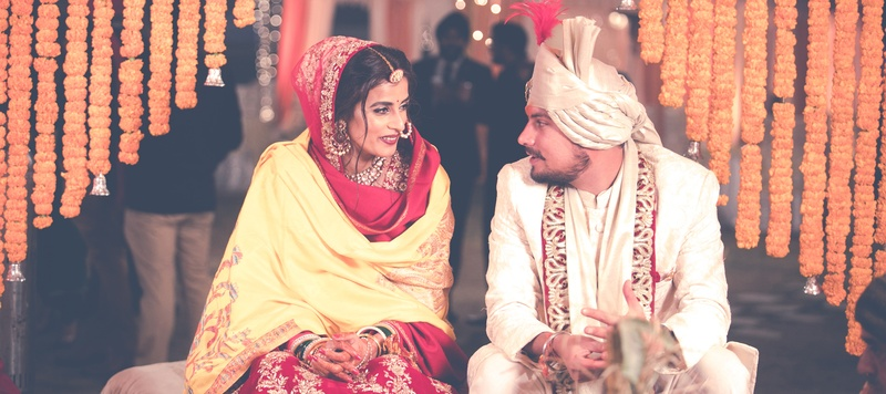 Rohan & Aditi Delhi : Model and Army  Man tie the knot in a gorgeous hindu wedding held at Delhi Cantonment