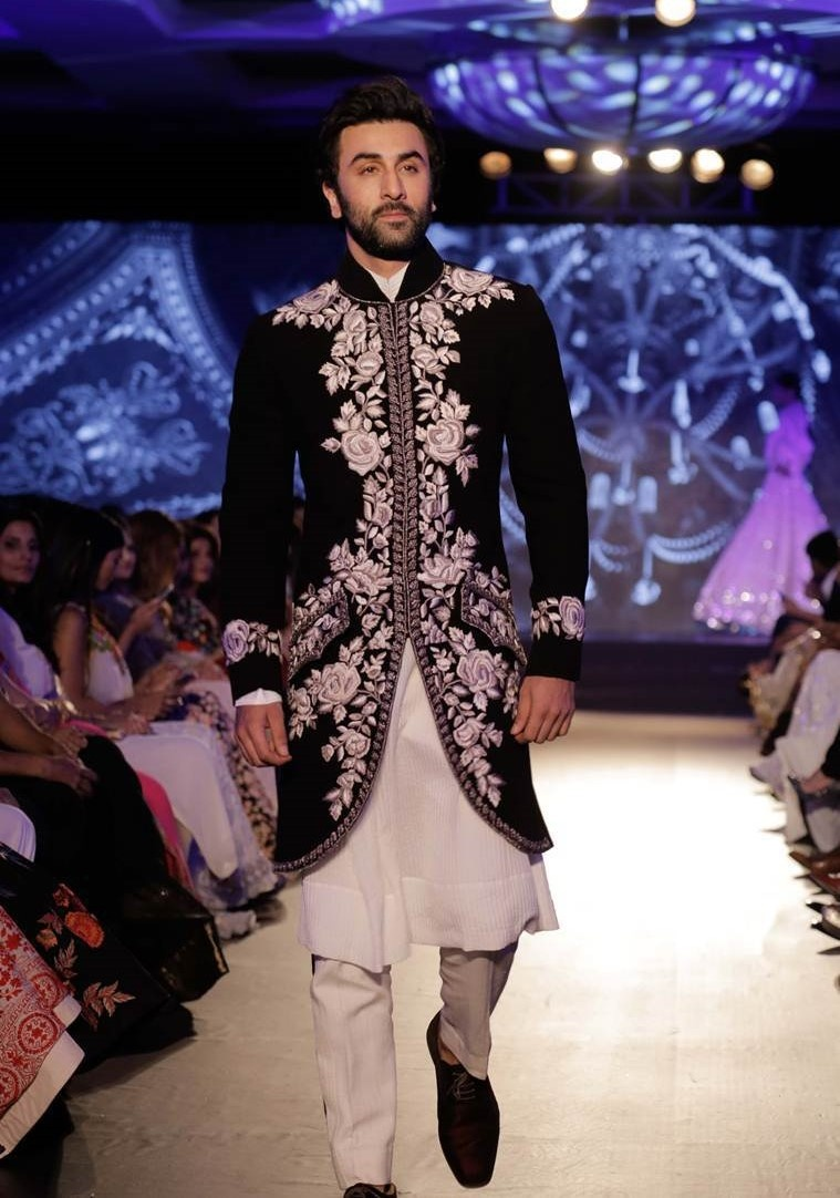 4c80ce9a74 20 Wedding Dresses for men in India which are totally in now! - Blog