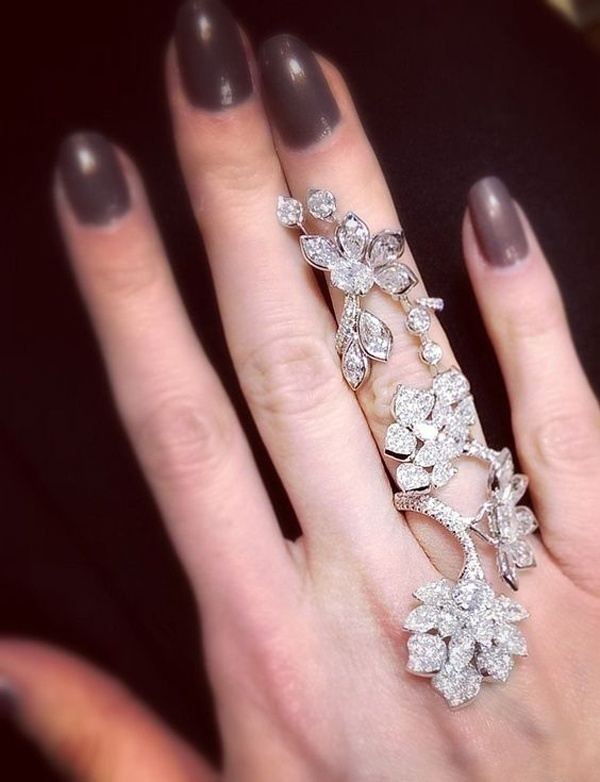 Elongated Stunning One Finger Rings