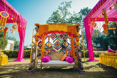 Kitsch and quirky decor for the mehndi function