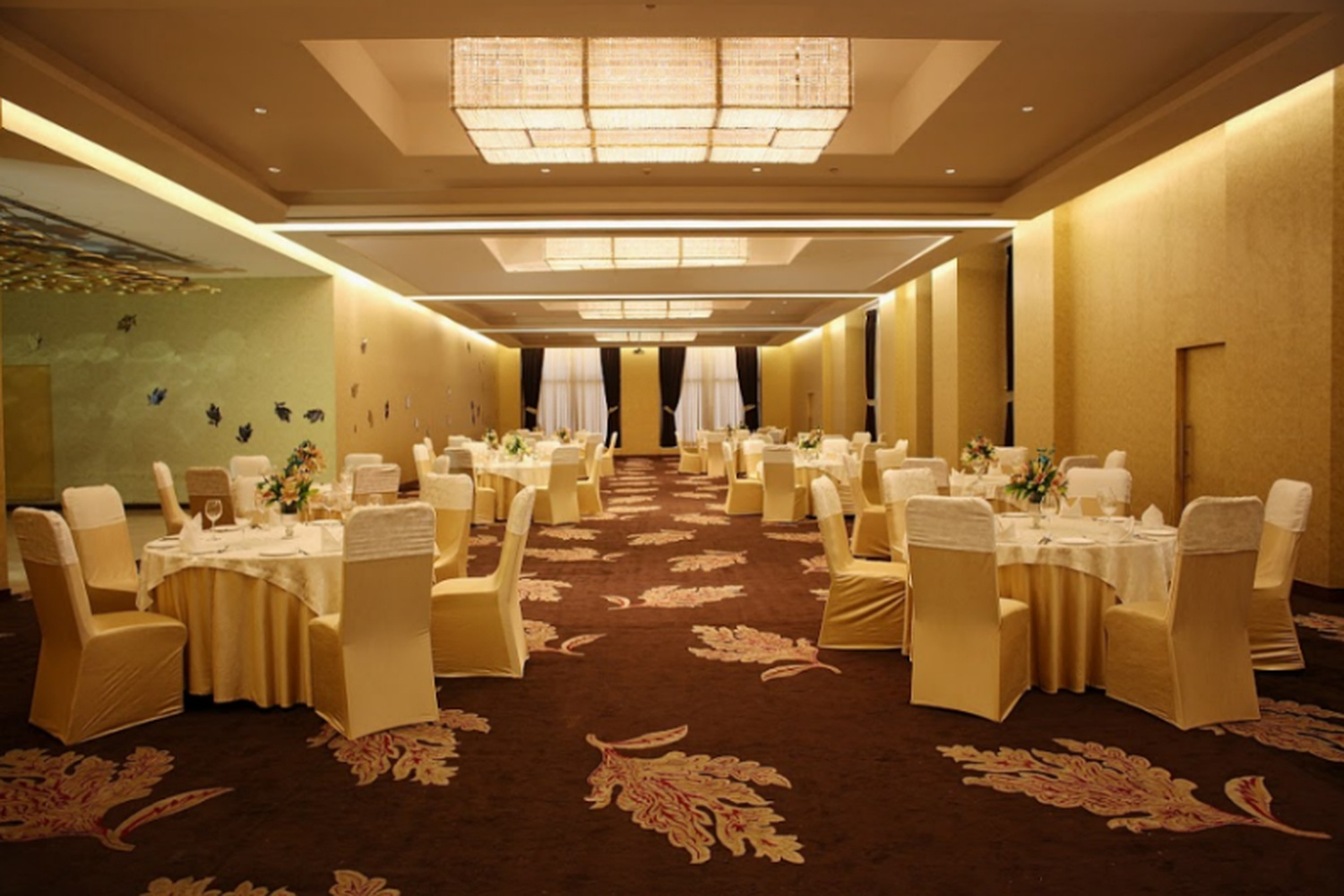 Radisson Blu Dwarka Delhi Banquet Hall 5 Star Wedding