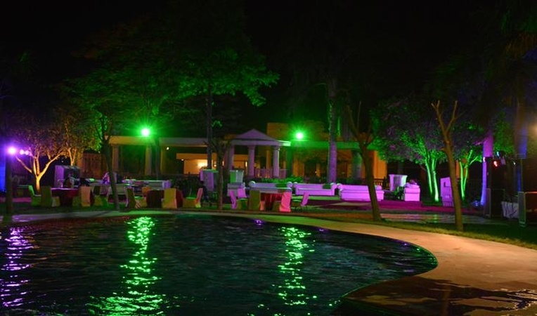 Saras Garden Resort And Banquet Mukhmelpur Delhi - Banquet Hall