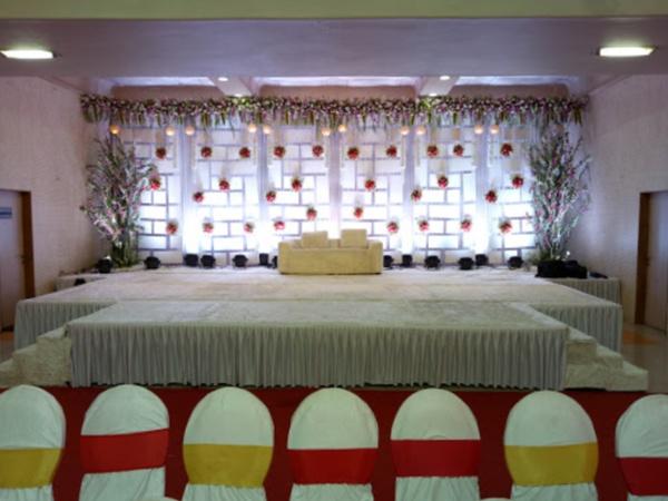 Shree Giriraj Balaji Banquets Bhiwandi Mumbai - Banquet Hall