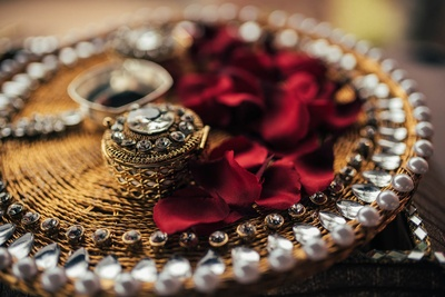 Traditional ring box with pearl detailed thali!