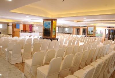 The Kanchi Residency Anna Nagar Chennai Banquet Hall Wedding Hotel Weddingz In