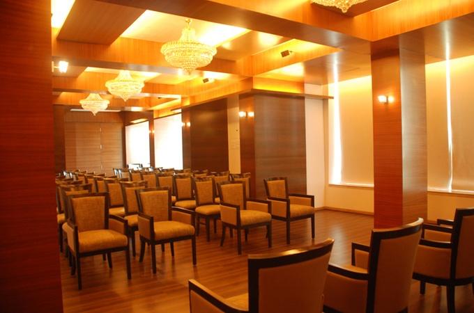 Hotel Lerida Thane West Mumbai - Banquet Hall