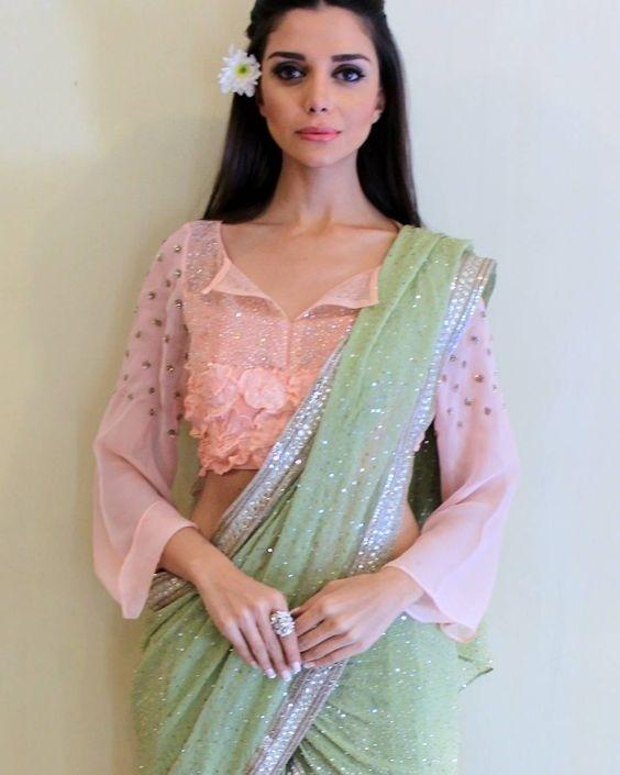 Stand Color Blouse Designs : Lehenga blouse designs catalogue new blouse pattern