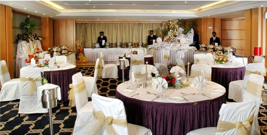 Gold Finch Hotels Race Course Road Bangalore - Banquet Hall