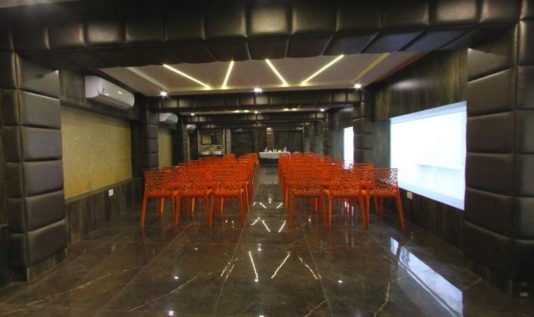 Hotel Ganpati Khalpara Siliguri - Banquet Hall