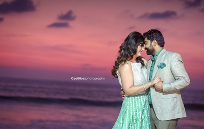 a very romantic moment captured beautifuly by Cool Bluez Photography