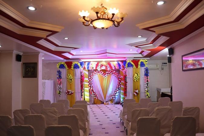 OYO Flagship 36951 The Ambassador Hotel Rajendra Nagar Patna - Banquet Hall