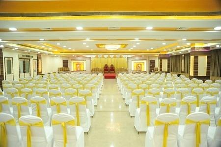 De Grandeur Hotel And Banquets, Thane West, Mumbai