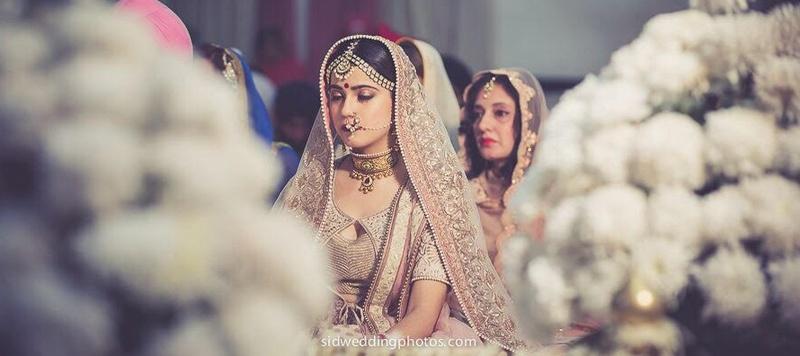 Aziz  & Astha  Delhi : Charming And Adorable Sikh Wedding Held At Golden Tulip, Chattarpur, Delhi