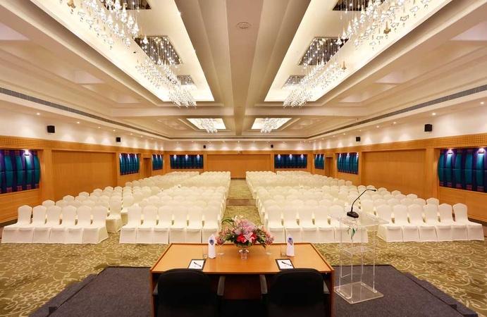 Hotel Green Park Vadapalani Chennai - Banquet Hall