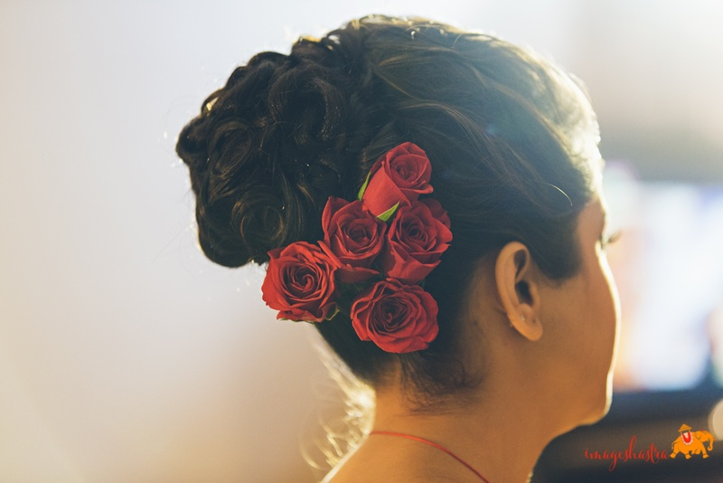 Wedding Hairstyles For Indian Brides Do It Yourself Updos Within 5