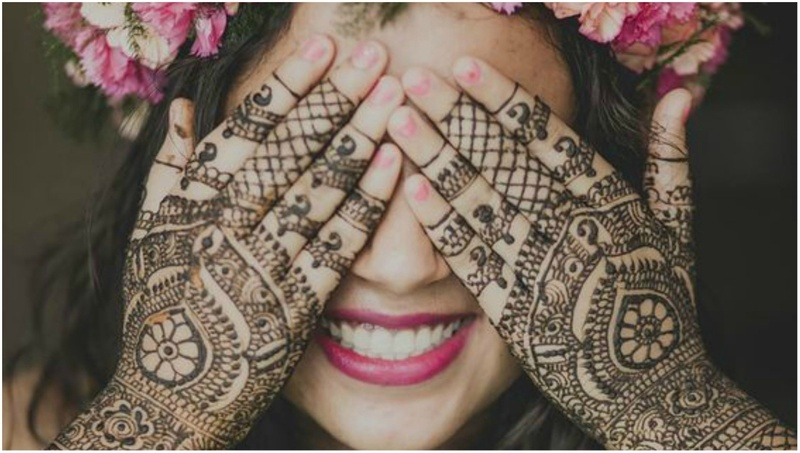 10+ Offbeat Mehendi Designs We Spotted On Real Brides!