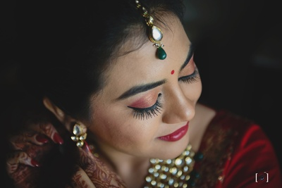 Flawless make up by Rakhee from Goa where this gorgeous wedding was held