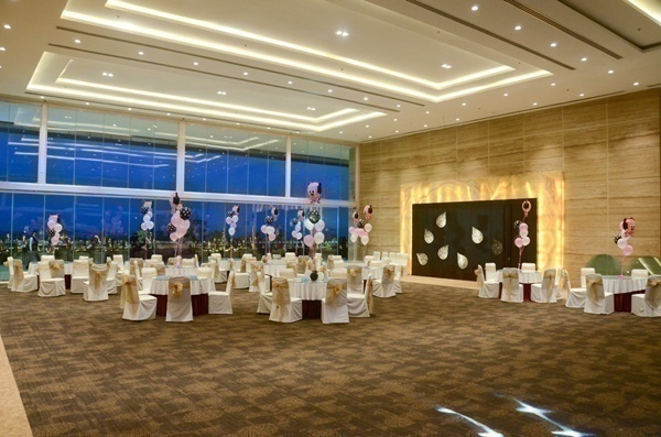 Spacious Wedding Banquet Hall Athena