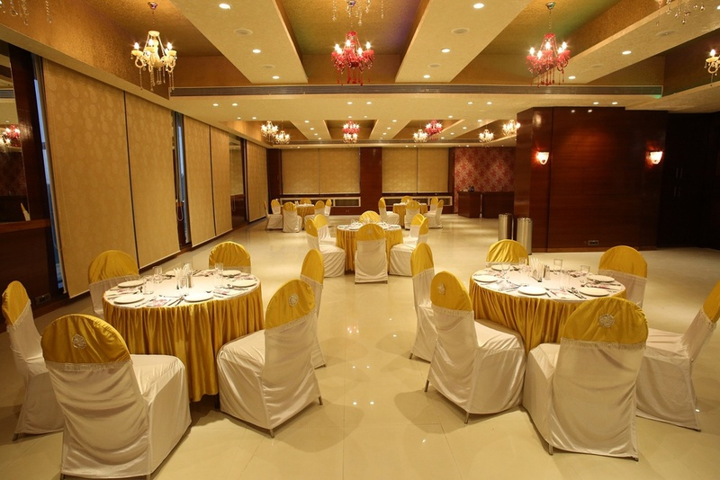 Weddingz.in Discount of Up To 35% on Bookings at Palm Courtyard