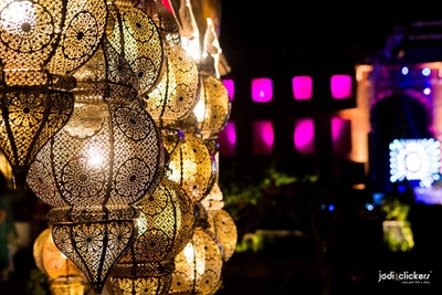 Wedding decorated with morrocon lanterns with intricate mesh design