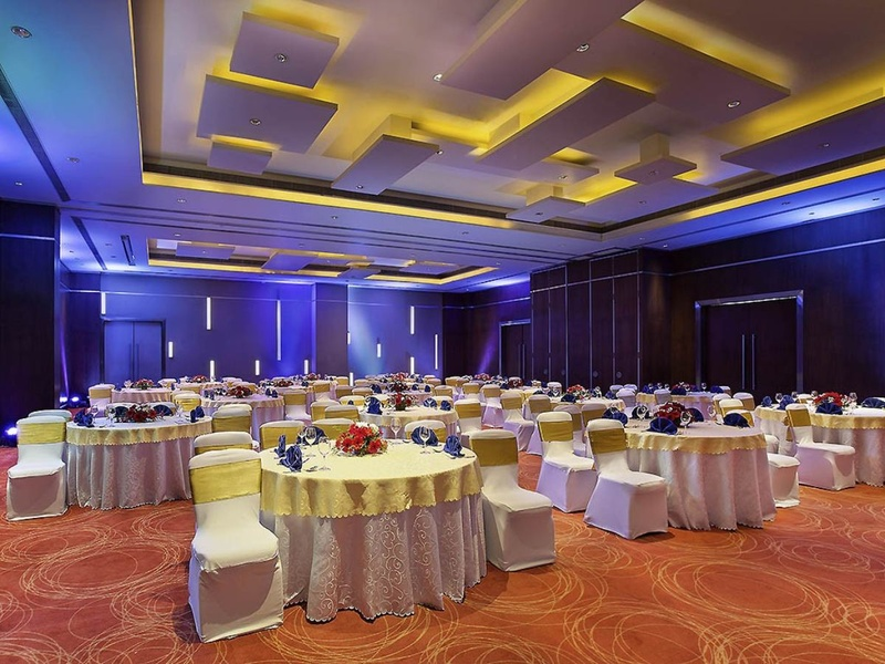 Small banquet halls in Bangalore to host happening parties. You can't keep calm here!