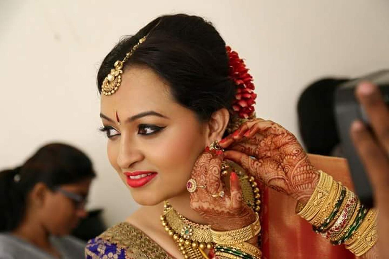 Mehndi Bride Makeup : Brides beyond by sanam jain bridal makeup artist in bangalore