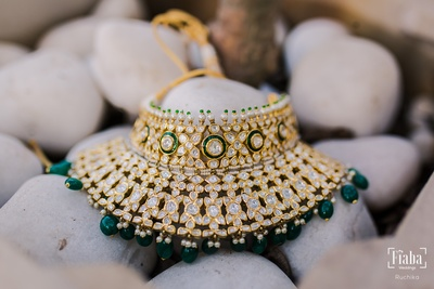 This necklace looks absolutely spectacular!