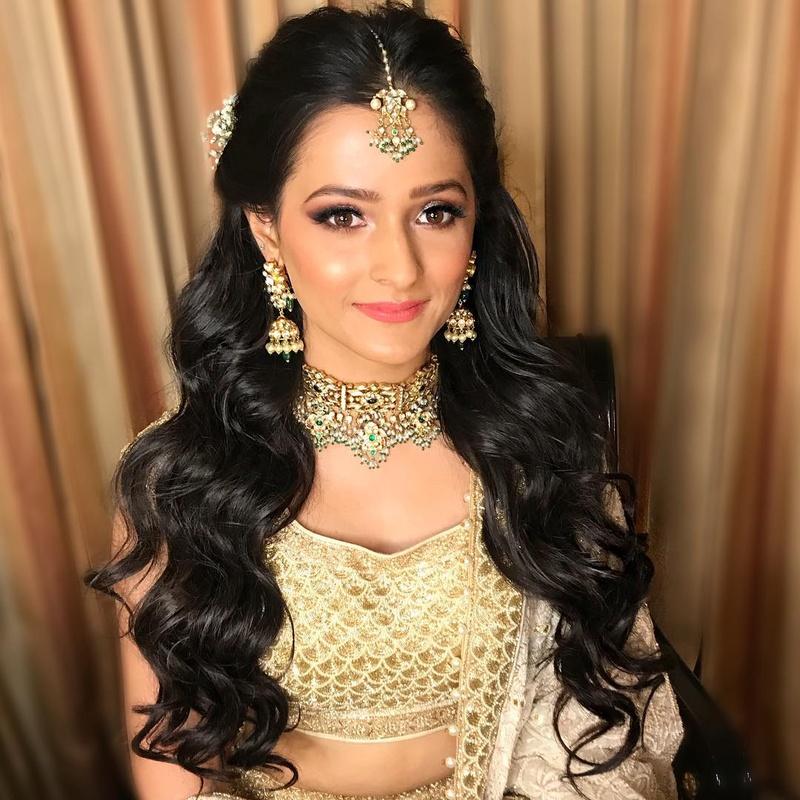 Wedding Hairstyle Ideas For Mehndi Sangeet Wedding