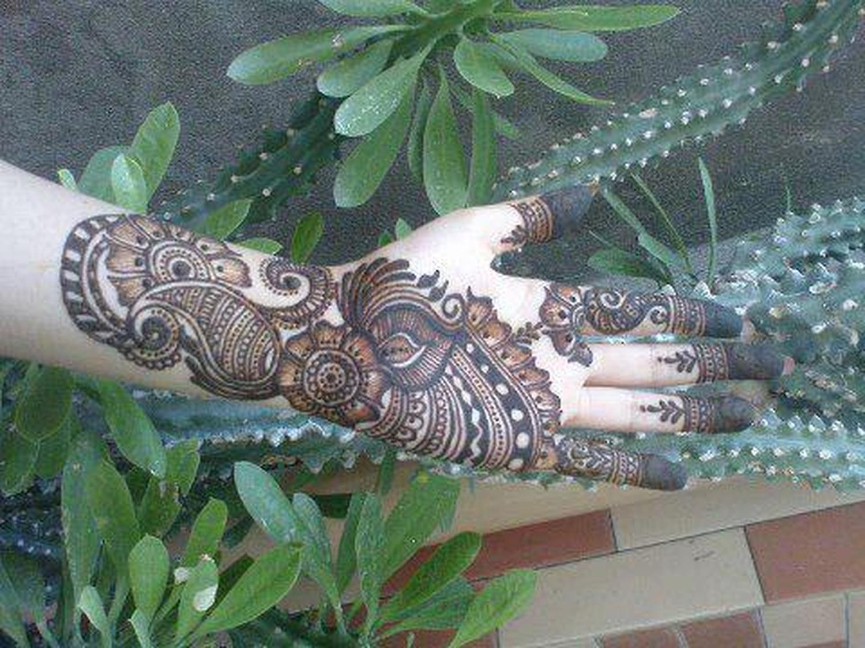 Mehndi Bunch On Arm : Hina mehndi designer bridal artist in colaba mumbai