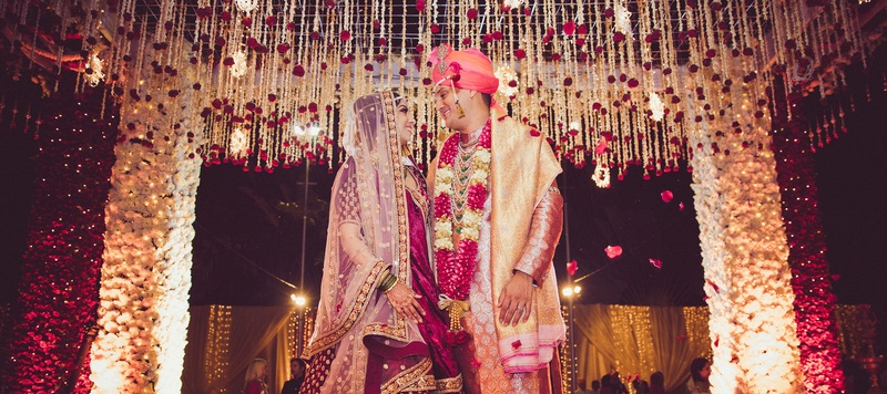 Akshay & Krutika Bangalore : This real-life royal couple bowed to love in a gorgeous Taj Westend Bangalore wedding