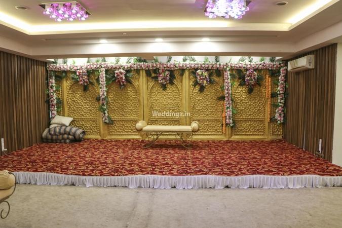 Karisma Banquet Kandivali East Mumbai - Banquet Hall