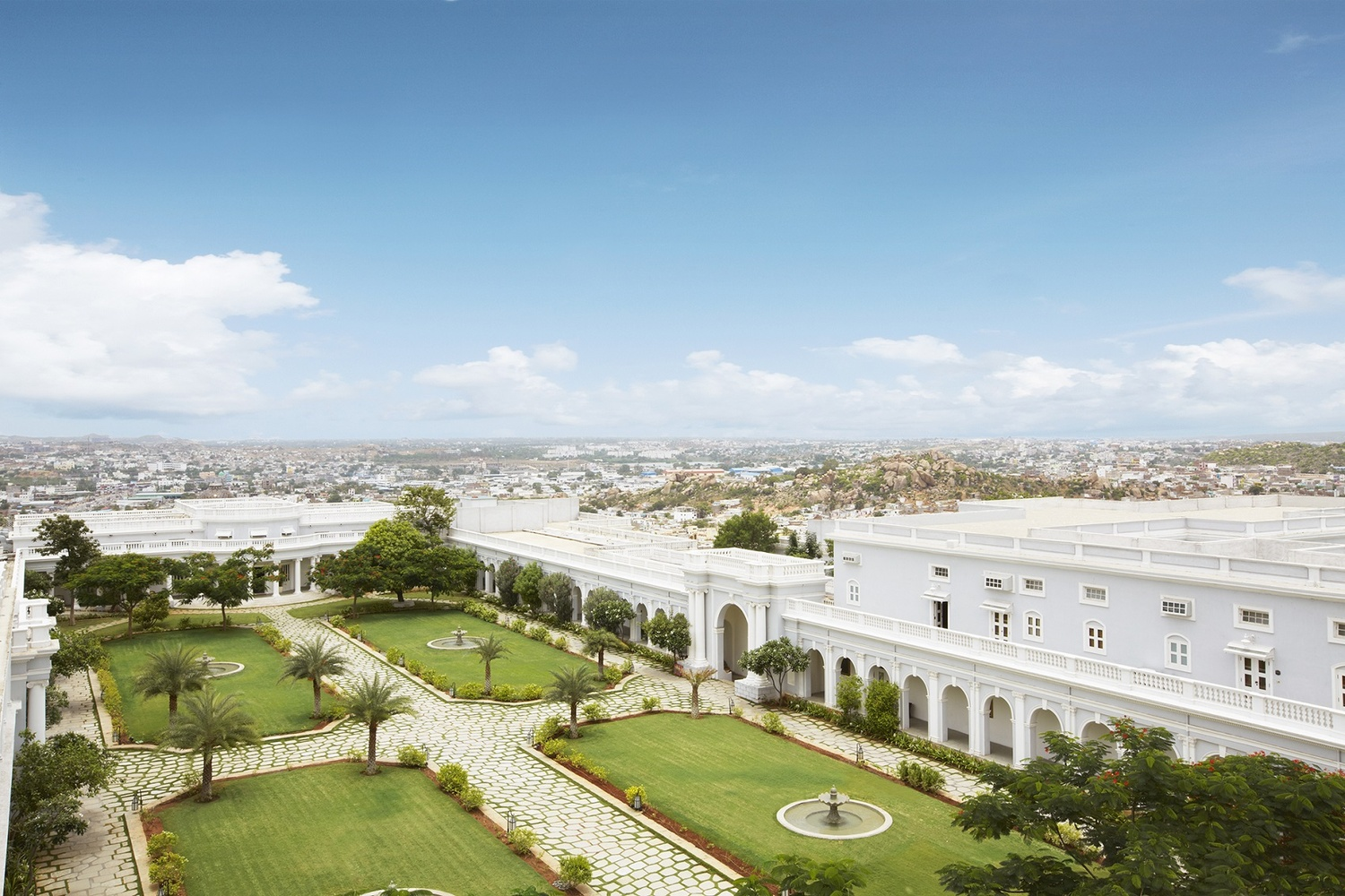 Taj Falaknuma Palace Falaknuma Hyderabad Banquet Hall Wedding Lawn Weddingz In