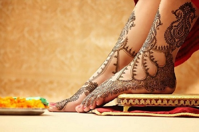 Top 5 Mehendi Artists in Delhi Who Can Do Wonders with Bridal Mehendi