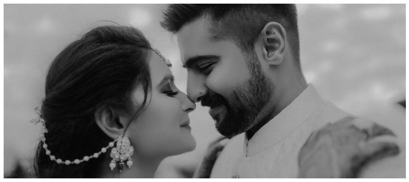 Tejas & Ritu Chandigarh : This shaadi saw a royal engagement, an intimate mehendi and the couple flaunting gorgeous outfits.