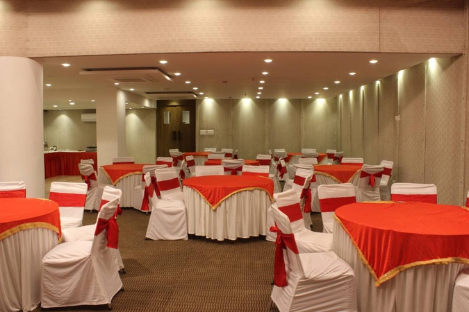 Hotel Radiant Star Lal Kothi Jaipur - Banquet Hall