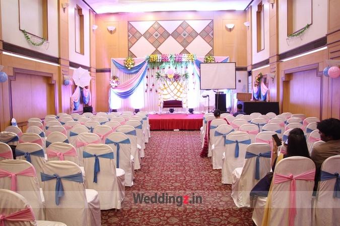 Evershine Club Kandivali East Mumbai - Banquet Hall