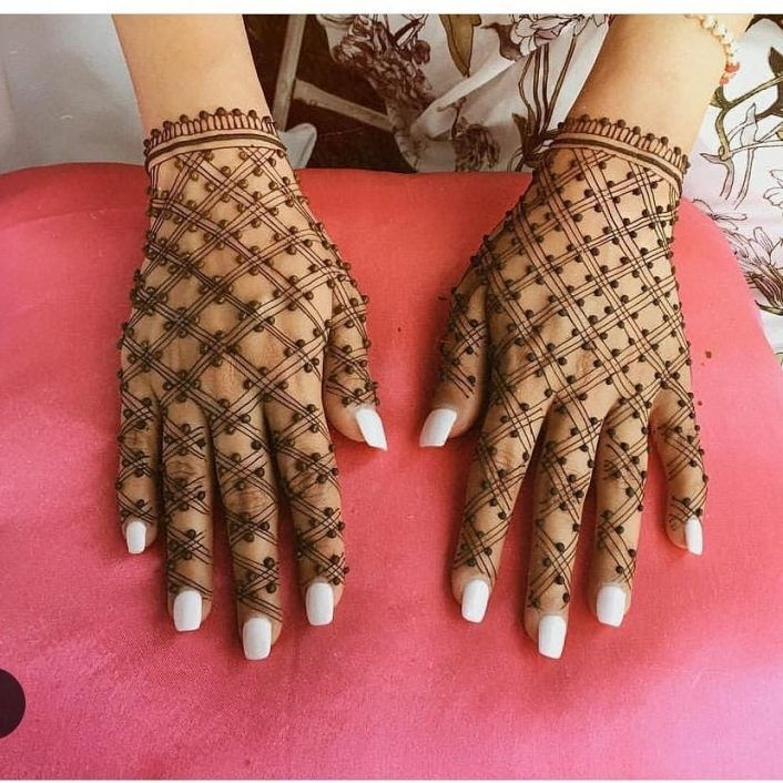 20+ Simple Mehndi Designs for the minimalist bride! - Blog
