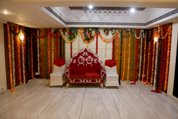 Ashish Party Halls Malad West Mumbai - Banquet Hall