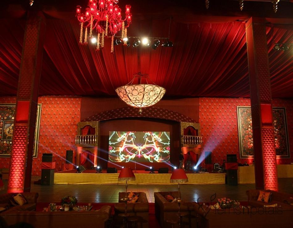 Udman by ferns n petals mahipalpur delhi banquet hall for Decor international delhi
