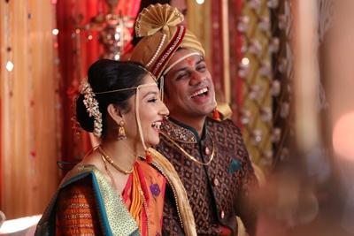 Bridal ambada adorned with gajra and a pearled Mundavlya