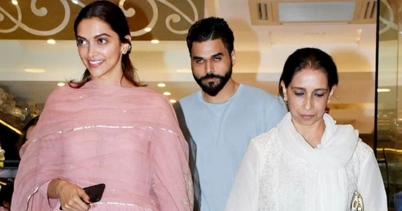 Deepika Padukone spotted 'shaadi shopping' with her mom for her upcoming November wedding!