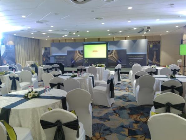Hotel Sayaji Sayajigunj Baroda - Banquet Hall