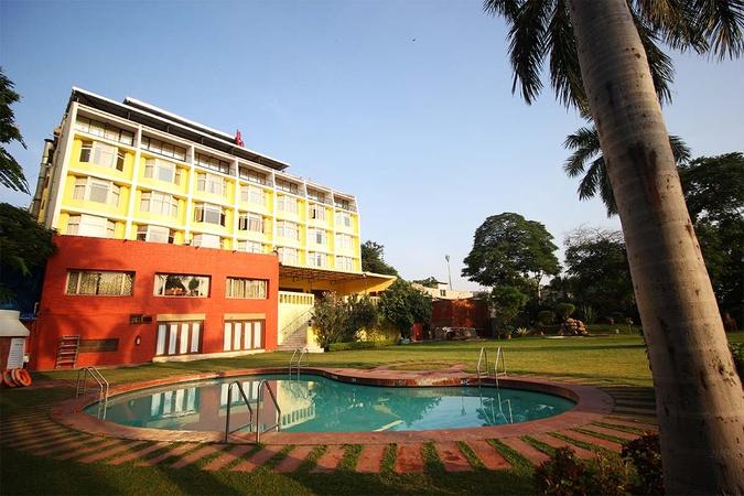 Cama Hotel Khanpur Ahmedabad - Banquet Hall