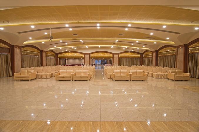 Regenta Inn Sayajigunj Baroda - Banquet Hall