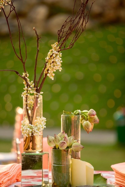 Ethereal table centerpieces at the Bhajan sandhya.