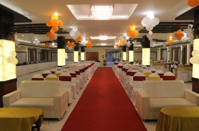Hotel The Golden Apple Mahanagar Lucknow - Banquet Hall