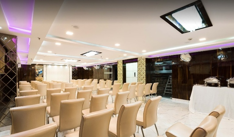 Hotel Glorious RimRocks Palace Topsia Kolkata - Banquet Hall