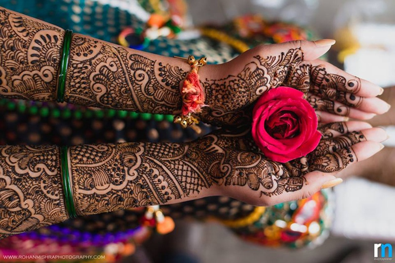 Awe-inspiring and Exciting Mehndi Design Trends of 2016
