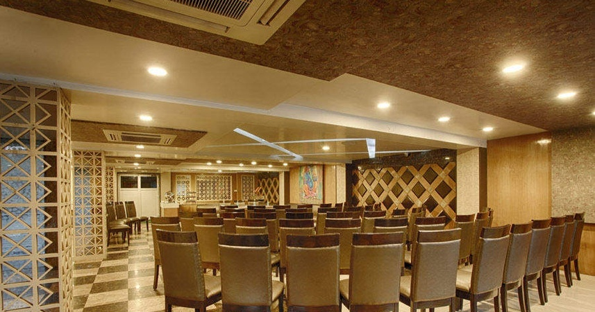 Green Restaurant And Banquet Hall Gomti Nagar Lucknow - Banquet Hall